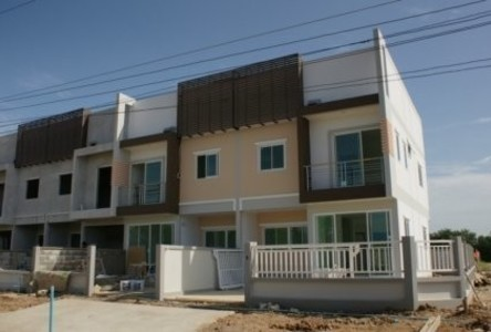 For Rent 3 Beds House in Mueang Suphanburi, Suphan Buri, Thailand