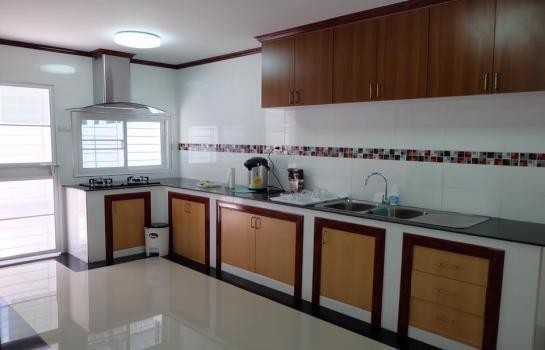 For Sale 4 Beds タウンハウス in Mueang Songkhla, Songkhla, Thailand | Ref. TH-LLTGIDCO