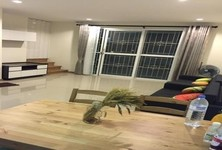 For Sale or Rent 4 Beds タウンハウス in Si Racha, Chonburi, Thailand