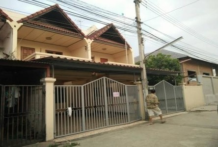 For Sale 2 Beds Townhouse in Mueang Lampang, Lampang, Thailand