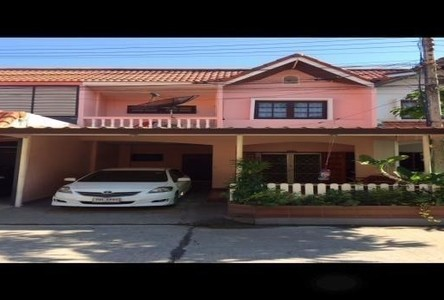 For Sale or Rent 4 Beds Townhouse in Mueang Rayong, Rayong, Thailand