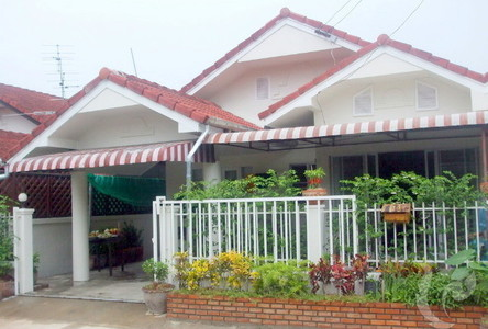 For Sale 2 Beds 一戸建て in Mueang Chiang Mai, Chiang Mai, Thailand