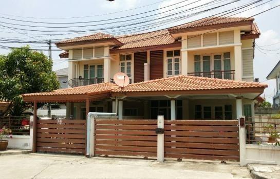 For Rent 3 Beds 一戸建て in Mueang Saraburi, Saraburi, Thailand | Ref. TH-HMCZJBPO
