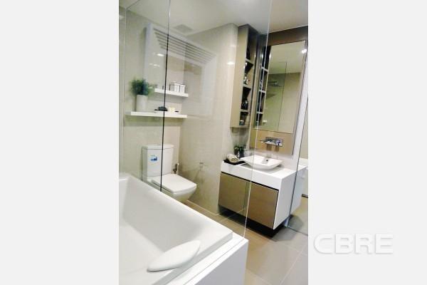 LIV@49 - Продажа: Кондо с 3 спальнями возле станции BTS Thong Lo, Bangkok, Таиланд | Ref. TH-UANPHXLH