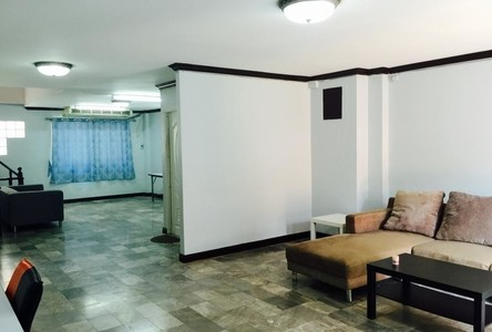 For Rent 4 Beds タウンハウス in Bangkok, Central, Thailand