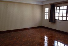 For Rent 5 Beds タウンハウス in Bangkok, Central, Thailand