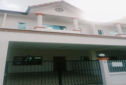 For Rent 3 Beds Townhouse in Phanat Nikhom, Chonburi, Thailand