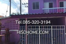 For Sale 2 Beds タウンハウス in Sam Khok, Pathum Thani, Thailand