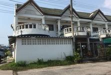 Продажа: Таунхаус с 2 спальнями в районе Mueang Samut Songkhram, Samut Songkhram, Таиланд