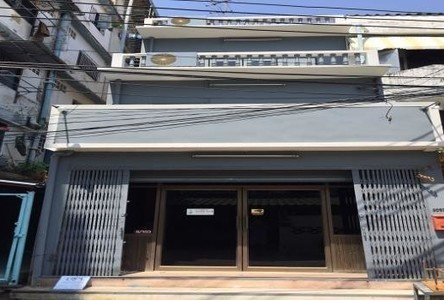 For Rent 5 Beds Townhouse in Lat Phrao, Bangkok, Thailand