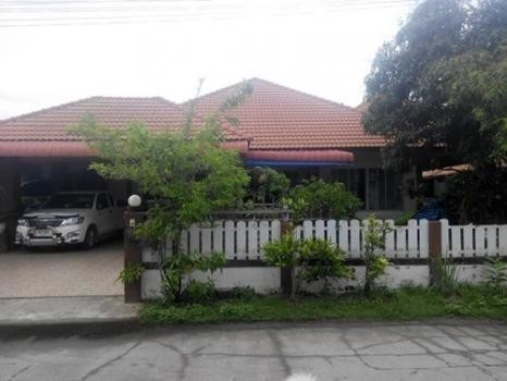 For Sale 3 Beds 一戸建て in Mueang Chiang Rai, Chiang Rai, Thailand   Ref. TH-TGSMMTWN