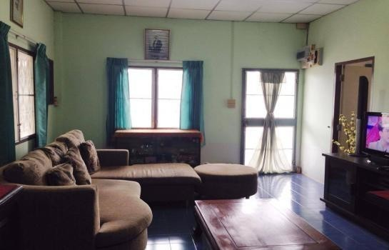 For Sale 5 Beds House in Mueang Chanthaburi, Chanthaburi, Thailand | Ref. TH-PCDEUHAX