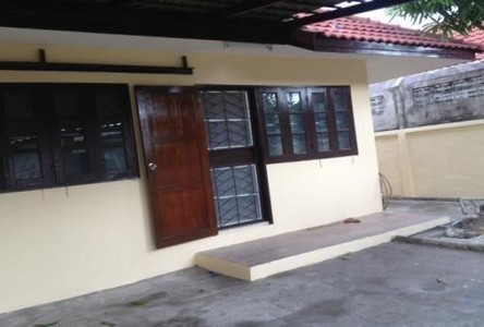 For Sale 2 Beds Townhouse in Bang Pakong, Chachoengsao, Thailand
