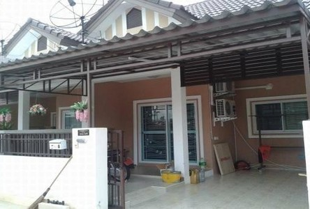 For Sale 2 Beds Townhouse in Si Racha, Chonburi, Thailand