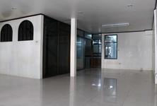 ให้เช่า ทาวน์เฮ้าส์ 2 ห้องนอน ยานนาวา กรุงเทพฯ