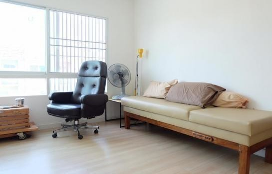For Sale 2 Beds Townhouse in Bang Bo, Samut Prakan, Thailand | Ref. TH-CIAXVGWU