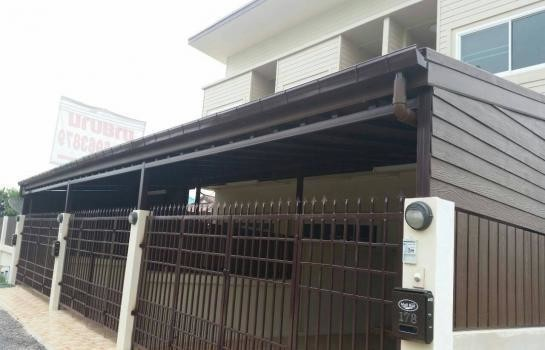 For Sale 2 Beds タウンハウス in Mueang Phitsanulok, Phitsanulok, Thailand | Ref. TH-QPOMFYJN