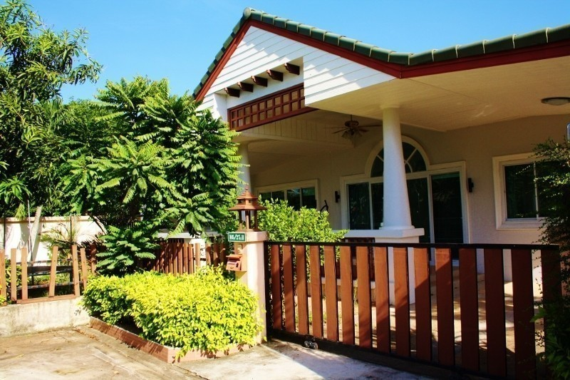 ให้เช่า บ้านเดี่ยว 3 ห้องนอน บางละมุง ชลบุรี | Ref. TH-FUTGORSX