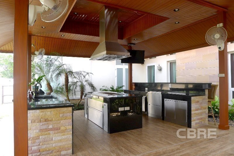 For Sale 3 Beds House in Bang Sao Thong, Samut Prakan, Thailand   Ref. TH-NEFIDNSV