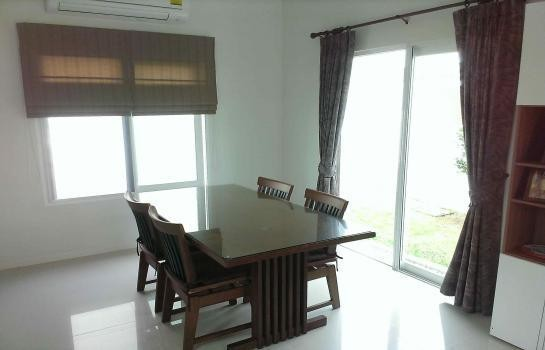 For Sale 3 Beds House in Sam Phran, Nakhon Pathom, Thailand | Ref. TH-XWUALREV