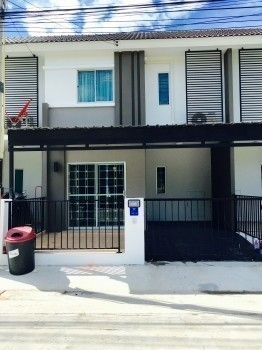 For Sale or Rent 3 Beds タウンハウス in Bang Lamung, Chonburi, Thailand | Ref. TH-ZLNCUAOA