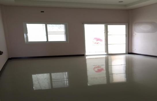 For Sale 3 Beds Townhouse in Mueang Nakhon Ratchasima, Nakhon Ratchasima, Thailand | Ref. TH-MBUAQMJE