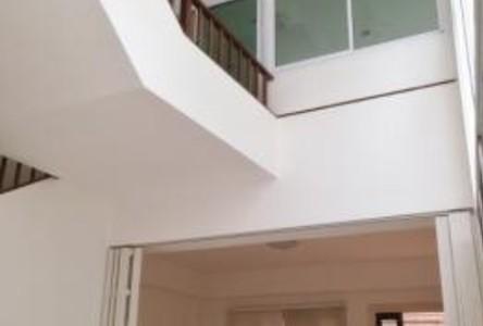 ให้เช่า ทาวน์เฮ้าส์ 4 ห้องนอน ยานนาวา กรุงเทพฯ