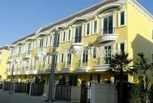 For Rent 3 Beds タウンハウス in Bang Khun Thian, Bangkok, Thailand