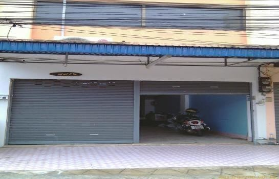 For Sale 2 Beds Townhouse in Mueang Phitsanulok, Phitsanulok, Thailand | Ref. TH-ZDXZOZYV