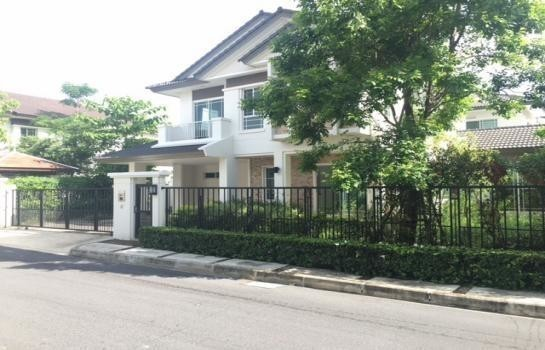 For Sale 3 Beds House in Phutthamonthon, Nakhon Pathom, Thailand   Ref. TH-SYBHMGVB