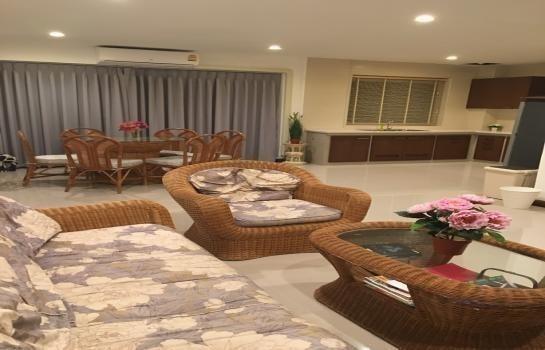 ให้เช่า ทาวน์เฮ้าส์ 3 ห้องนอน สัตหีบ ชลบุรี | Ref. TH-YAJZFDEH