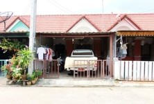 For Sale 2 Beds Townhouse in Plaeng Yao, Chachoengsao, Thailand