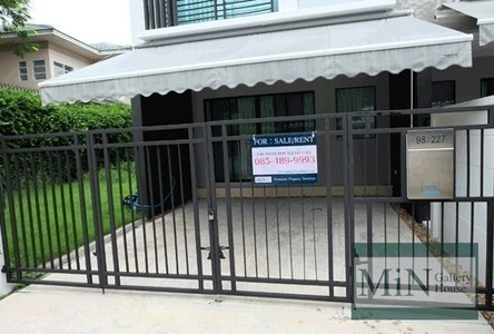 For Sale or Rent 3 Beds タウンハウス in Wang Thonglang, Bangkok, Thailand