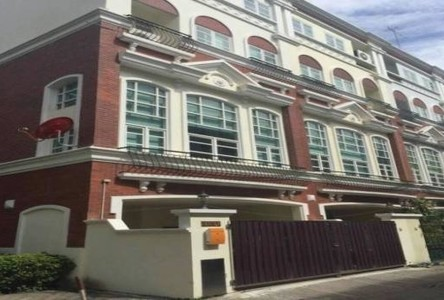ให้เช่า ทาวน์เฮ้าส์ 3 ห้องนอน ยานนาวา กรุงเทพฯ
