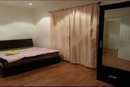 For Sale 3 Beds Townhouse in Sam Phran, Nakhon Pathom, Thailand