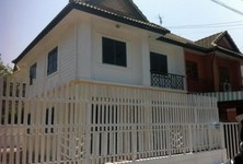 For Sale 3 Beds タウンハウス in Mueang Chachoengsao, Chachoengsao, Thailand