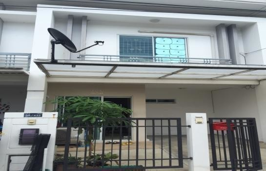 For Rent 3 Beds Townhouse in Sam Phran, Nakhon Pathom, Thailand | Ref. TH-VEEVUPEU