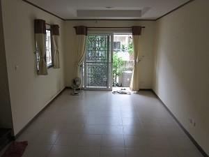 For Rent 3 Beds タウンハウス in Mueang Samut Sakhon, Samut Sakhon, Thailand | Ref. TH-GBCKFVRS