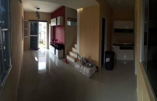 For Sale 3 Beds 一戸建て in Mueang Pathum Thani, Pathum Thani, Thailand | Ref. TH-RUNFSAYY