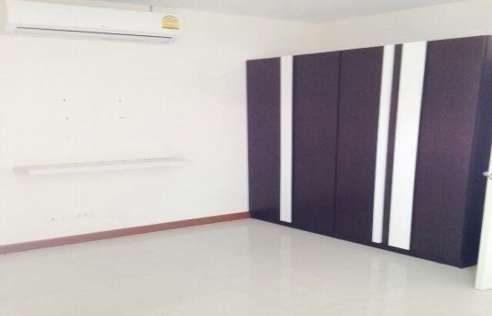 For Sale 3 Beds 一戸建て in Nong Chok, Bangkok, Thailand   Ref. TH-ZPILBCCX