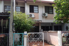 For Rent 2 Beds Townhouse in Pak Kret, Nonthaburi, Thailand