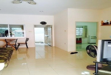 For Rent 2 Beds Townhouse in Mueang Rayong, Rayong, Thailand
