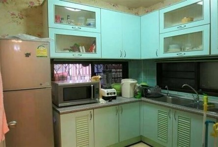 For Sale 5 Beds House in Bang Sao Thong, Samut Prakan, Thailand