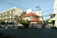 For Sale 5 Beds Condo in Mueang Nakhon Sawan, Nakhon Sawan, Thailand