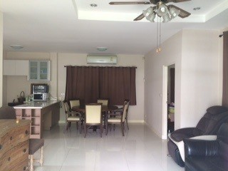 For Sale 4 Beds House in Bang Phli, Samut Prakan, Thailand | Ref. TH-QUAOLFYC