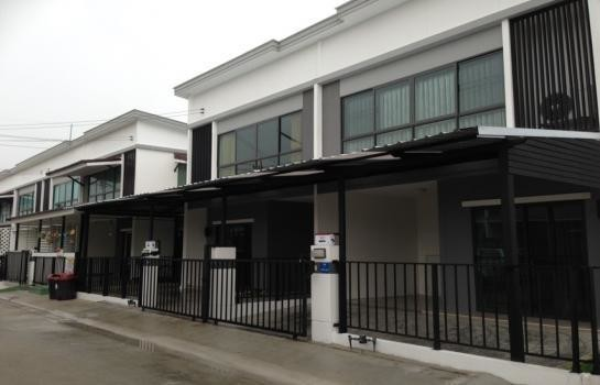 For Rent 3 Beds Townhouse in Phutthamonthon, Nakhon Pathom, Thailand | Ref. TH-XHIFUPXY