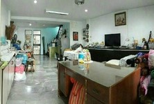 For Sale 4 Beds タウンハウス in Chatuchak, Bangkok, Thailand