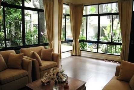For Sale 4 Beds コンド in Khlong Toei, Bangkok, Thailand
