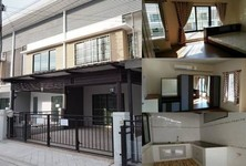 For Sale or Rent 2 Beds タウンハウス in Bang Sao Thong, Samut Prakan, Thailand