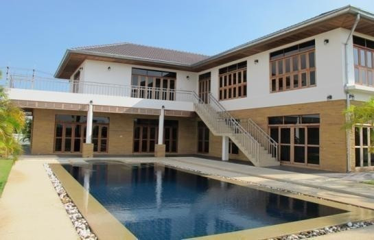 For Sale 4 Beds 一戸建て in Cha Am, Phetchaburi, Thailand | Ref. TH-OBYRMXER